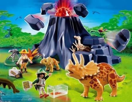 Детская игрушка Playmobil Трицерапторы с детенышем у вулкана