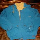 Куртка демисезонная детская яркая, красивая, с капюшоном, в хорошем состоянии