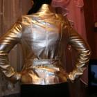 продаю куртку натуральная кожа золотого цвета с поясом!