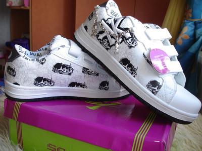 Стильные кроссовки белые с черным новые р. 39,40, 41 фото №1