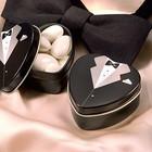 Бонбоньерки в виде жестяных коробочек в форме сердца