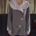 Красивое бежевое женское пальто