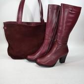Стильные женские сапоги на устойчивом каблуке .