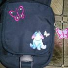 сумочка очень вместительная для девочки