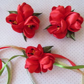 Весенние тюльпаны на утренники. Заколки, резинки, повязка.