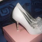 Новые!Нарядные туфли на торжество р.38,стелька 24,5см