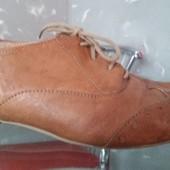 Стильні жіночі туфлі  39розмір