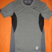 Фирменная Nike спортивная футболка Dri-Fit 44-46 размер