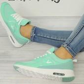 женские мятные кроссовки