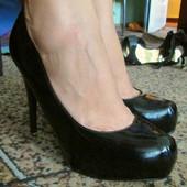 Туфельки черные лаковые