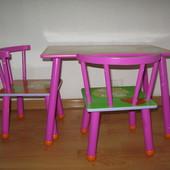 Детский столик и 2 а стульчика