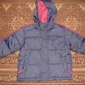 Фирменная  теплая куртка для мальчика на 5-6 лет