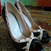 Туфли открытые лаковые