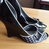 Туфли черные в белый горошек, 37р.