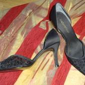 Naturalizer. США.Узконосые летние туфли. Размер: 37