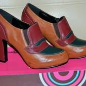 Новые закрытые женские туфли - полуботинки р.38,5