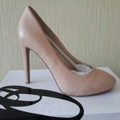 Срочно продам новые кожаные  туфли 37 размер марка Nine West