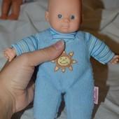 Маленький очаровательный пупс кукла куколка мальчик