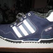 Мужские зимние кроссовки Адидас. Последний размер. 40.