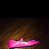 Детские туфельки для девочки, размер 30, по стельке 19,5 см. В идеальном состоянии