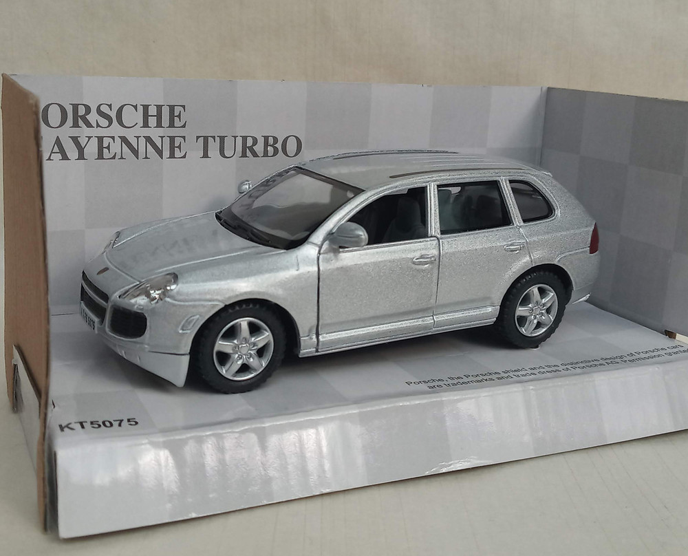 Kinsmart kt 5075 porsche cayenne turbo фото №1