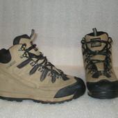 Фирменные не убиваемые качественные замшевые ботинки английского бренда Karrimor ,осень/тёплая зима
