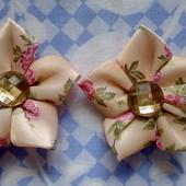 Нежные заколочки - цветочки из атласных лент для Вашей принцессы.