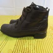 Продам кожаные ботинки