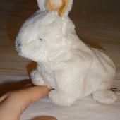 продам интерактивного новорожденного крольченка от Tiger Electrinics.Hasbro.