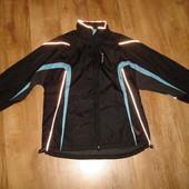 Классная спортивная куртка TCM, размер М, в идеале