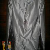 Мужской класический костюм 46 размер.