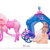 Карета с крылатой лошадью и куклой