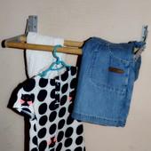 Откидные вешалки для одежды