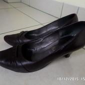 шкіряні туфлі 38р. 25см