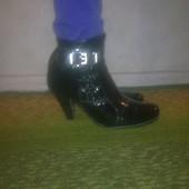 Женские демисезонные ботинки.Размер 39.