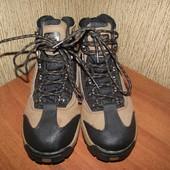 водоотталкивающие ботинки 25.5 см