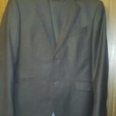 Мужской костюм 46 размер.