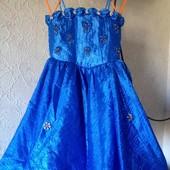 Нарядное платье на девочку на возраст примерно 4-5 лет