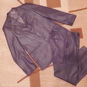 Мужской костюм 48 размер+подарок Состояние нового