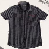 Jack & jones. Дания. Тонкая рубашка на кнопках, с коротким рукавом и рисунком на спине. ворот 42 см