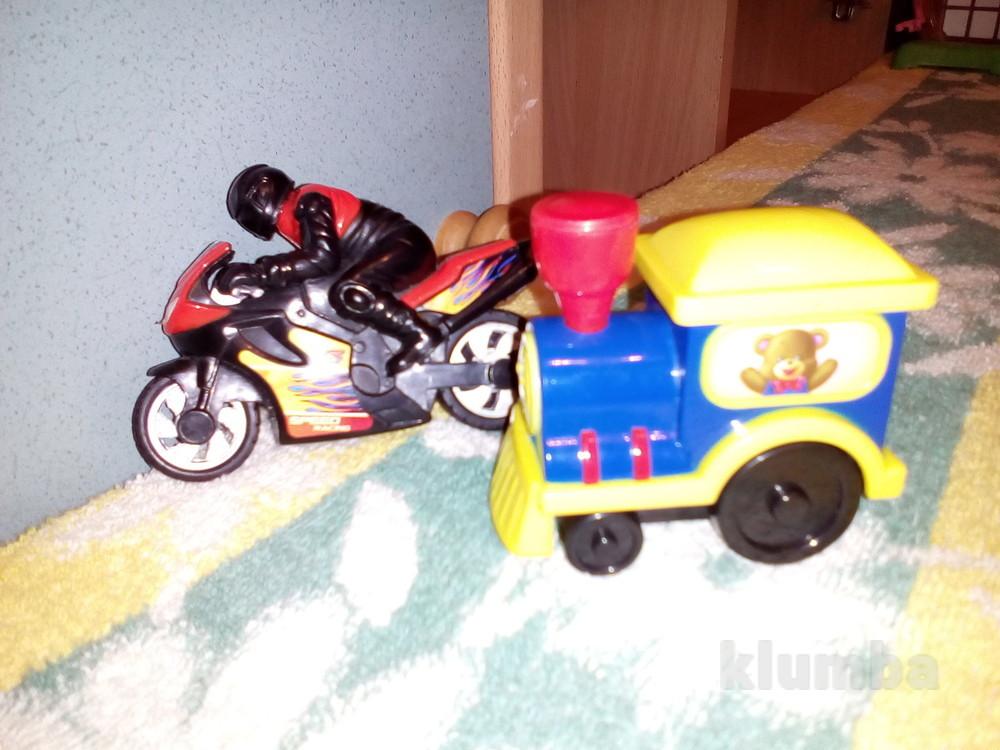 Мотоцикл и поезд фото №1