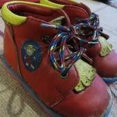 Ботинки демисезонные 19 размер по стельке 12,5 см.