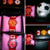 Кварцевые часы,с эмблемой футбольного клуба на циферблате.Отличный подарок!