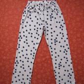 Флисовые женские штаны размер 10-12 (М), б/у. Общее состояние хорошее, но есть одно пятно спереди (п
