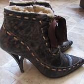 Зимние кожаные полусапожки 39 размер