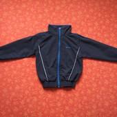 Спортивная ветровка на 10-11 лет, б/у. Хорошее состояние. Длина 51 см, ПО груди 46 см, рукав от горл