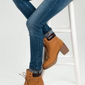 Ботинки на каблуке Timberland женские желтые на шнуровке