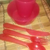 Набор яркой детской посуды Kalas от Ikea.Тарелочка и стаканчик При блице - приборы (3 шт.) в подарок