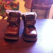 Продам кожаные ботиночки на малыша или малышку