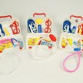 Детский набор «Маленький врач» в чемодане,15 приборов(компл.в кажд.наборе отличается)